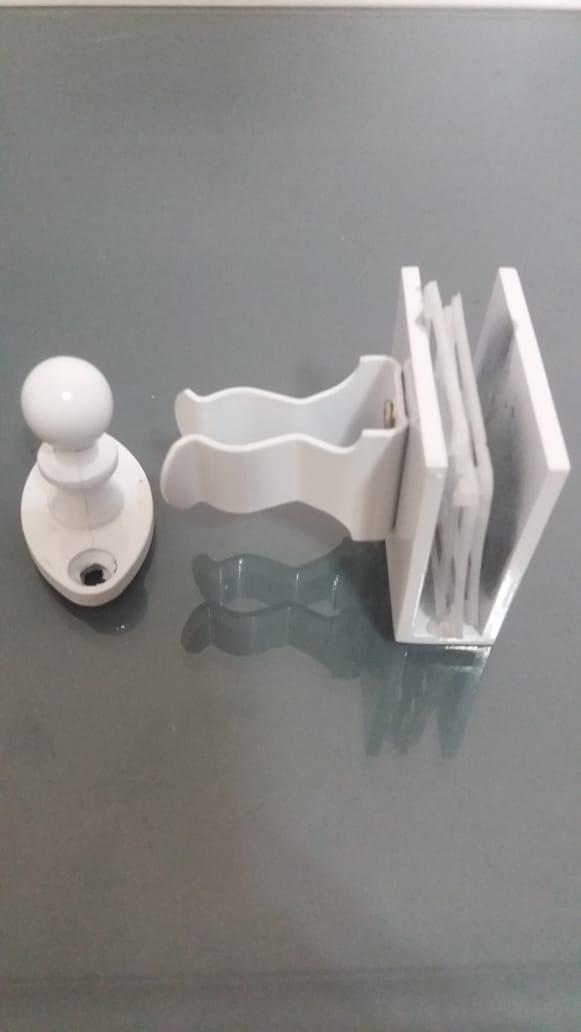 Fixador De Pressão Para Porta De Vidro branco