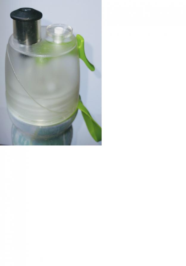 Garrafa térmica squeeze borrifador spray fitness verde