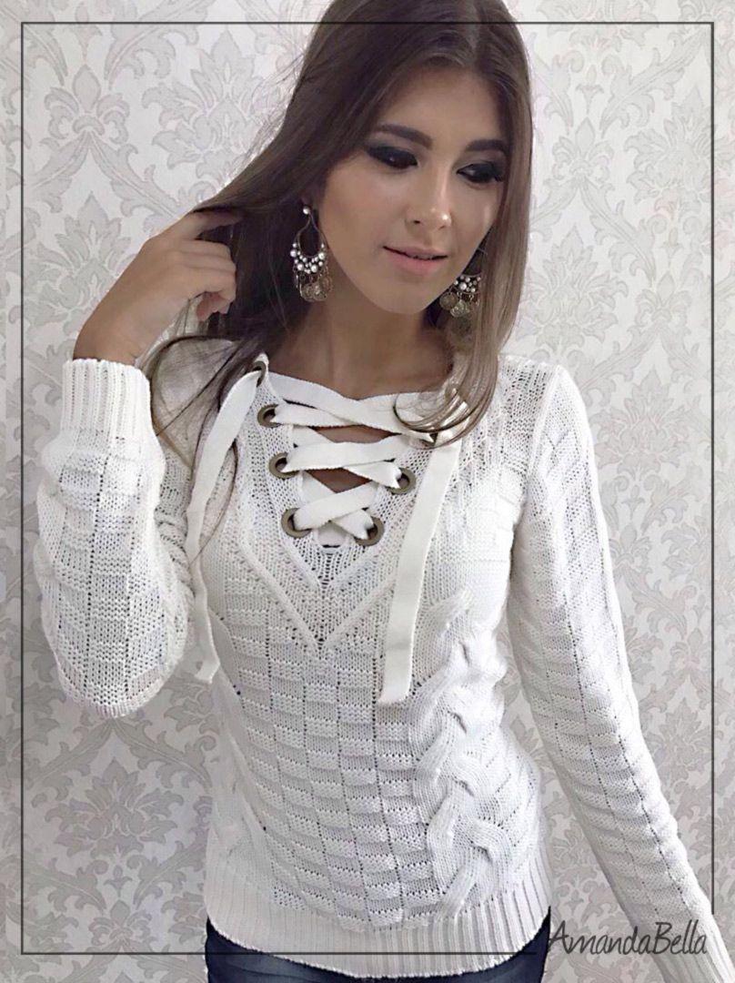 aa2cca2ef0c56 Blusa de trico feminina com ilhós e trança na frente