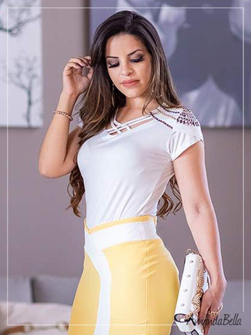 Blusas Femininas com Trançado na Gola e Bordada no Ombro  84b34520188