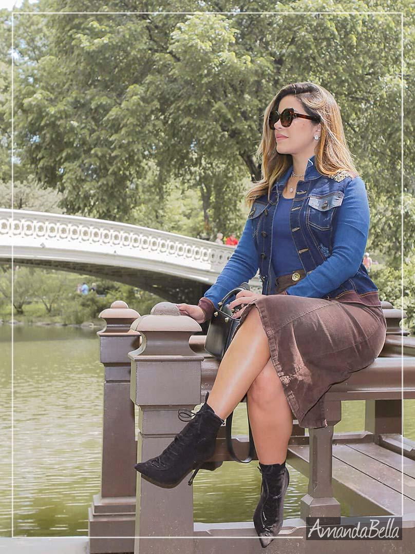 Jaqueta Jeans Feminina com Bordado no Ombro - Joyaly