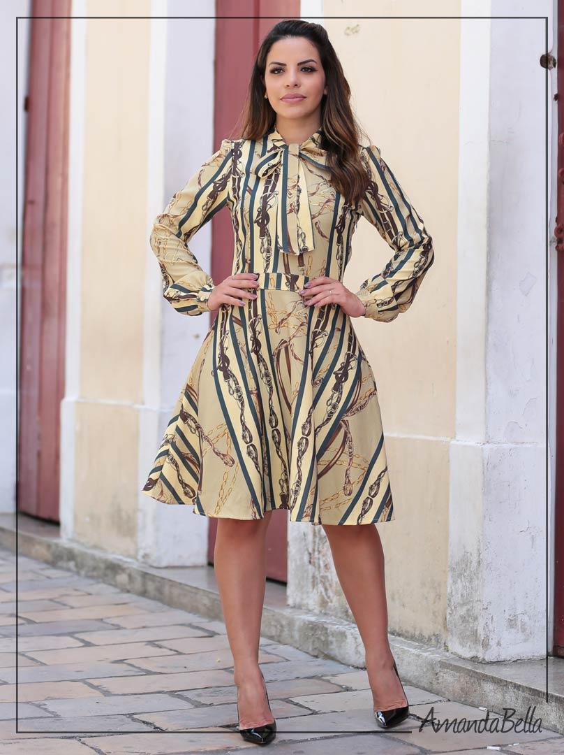4a639545f Vestido Lady Like com Laço na Gola - Joyaly - Amanda Bella ...