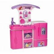 Cozinha Super Versátil Magic Toys Rosa com Água