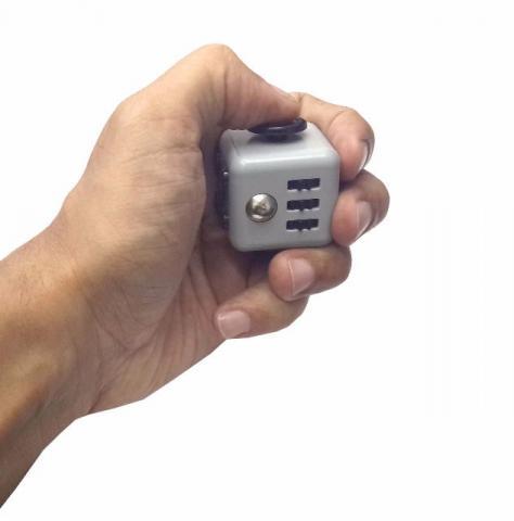 Fidget Cube Cubo Anti Stress Hiperatividade Ansiedade Cinza