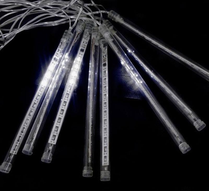 Cascata 8 Tubos Chuva de Gelo 136 LEDs Natal Pisca Pisca SnowFall Branco (NTN2178X127V)