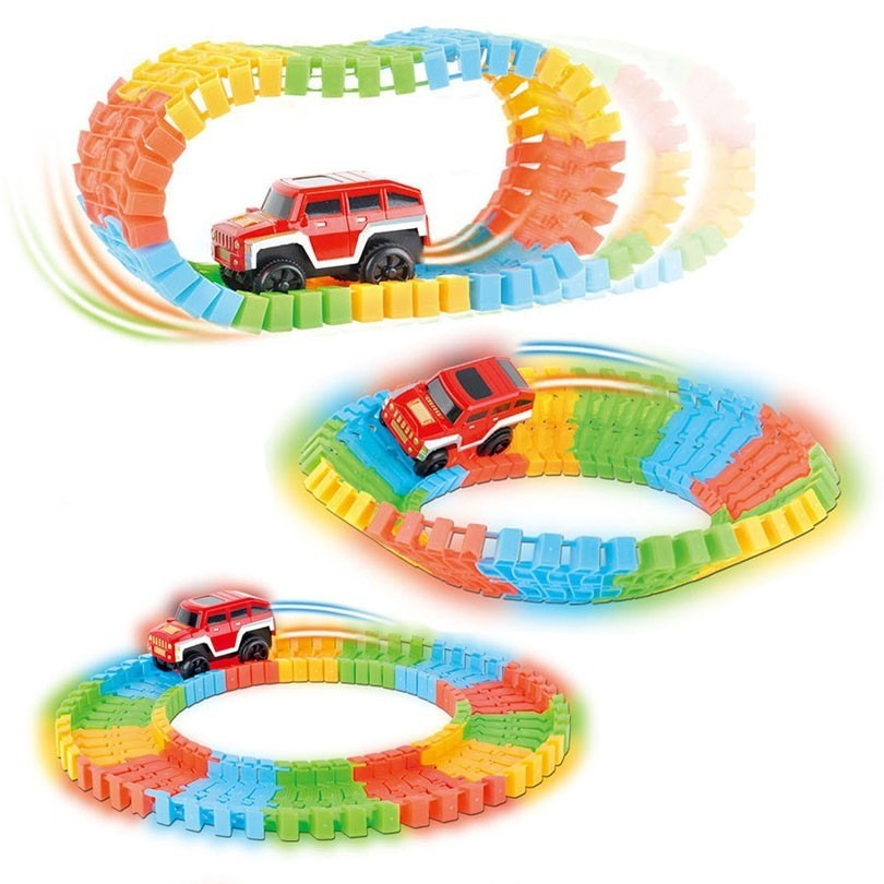 Pista Maluca Flash Track 111 Peças Brilha No Escuro Carrinho Brinquedo Novidade (DMT5351)