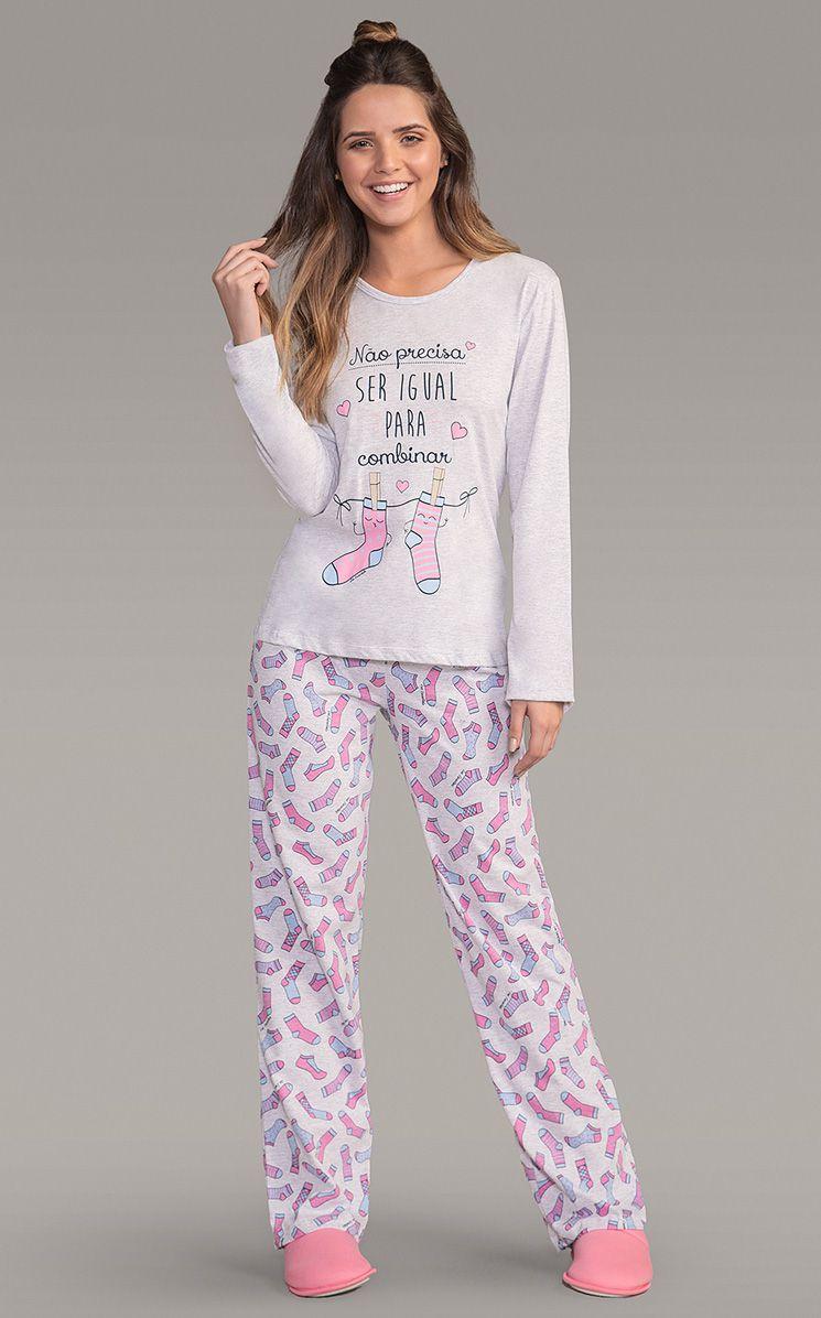 Pijama Feminino Adulto Lua Encantada Longo Estampado com Frase
