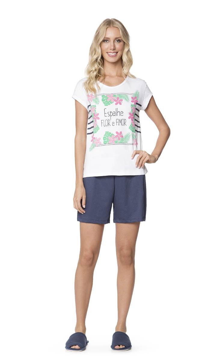 Pijama Feminino Adulto Lua Encantada Camiseta Estampa Floral e Bermuda Azul Marinho em Algodão