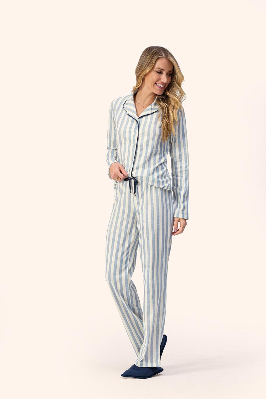 Pijama Feminino Lua Encantada Manga Longa com Gola, Botões e Calça Listrado Blue em Moletom Flanelado  14100016