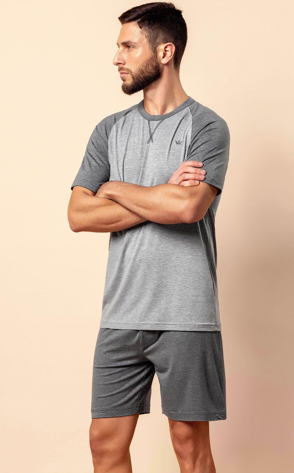 Pijama Masculino Adulto Mixte Camiseta com  Bermuda na cor Cinza em Modal 9570