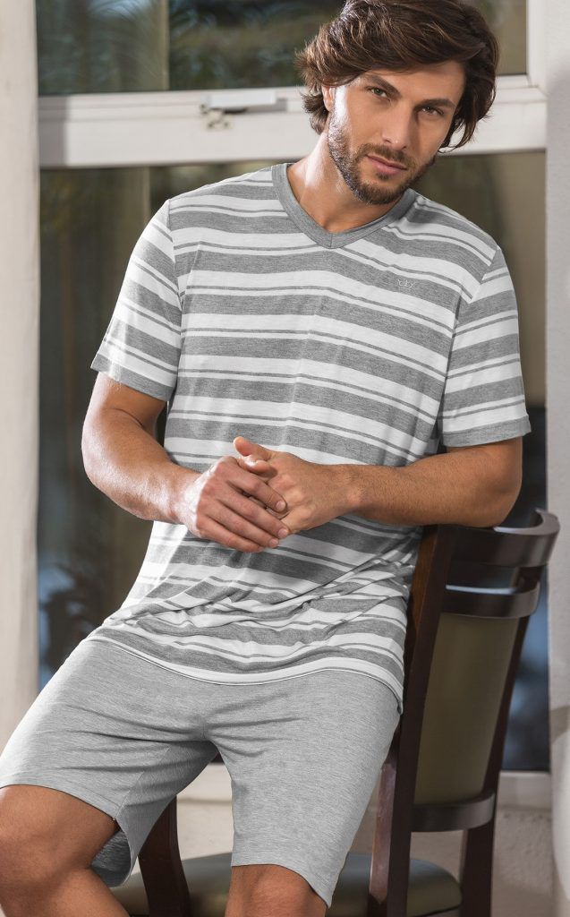 Pijama Masculino Mixte Adulto Camiseta Gola V Listrada e Bermuda Mescla