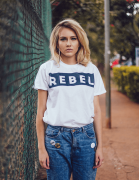 Camiseta Rebel