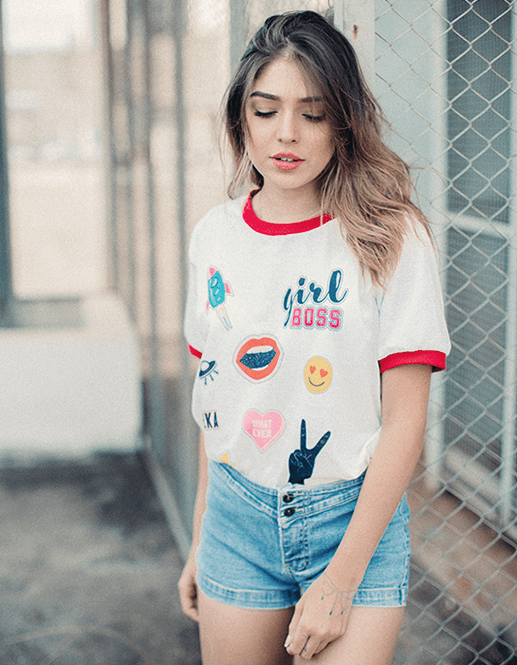 Camiseta College Girl Boss Patches  - Doiska