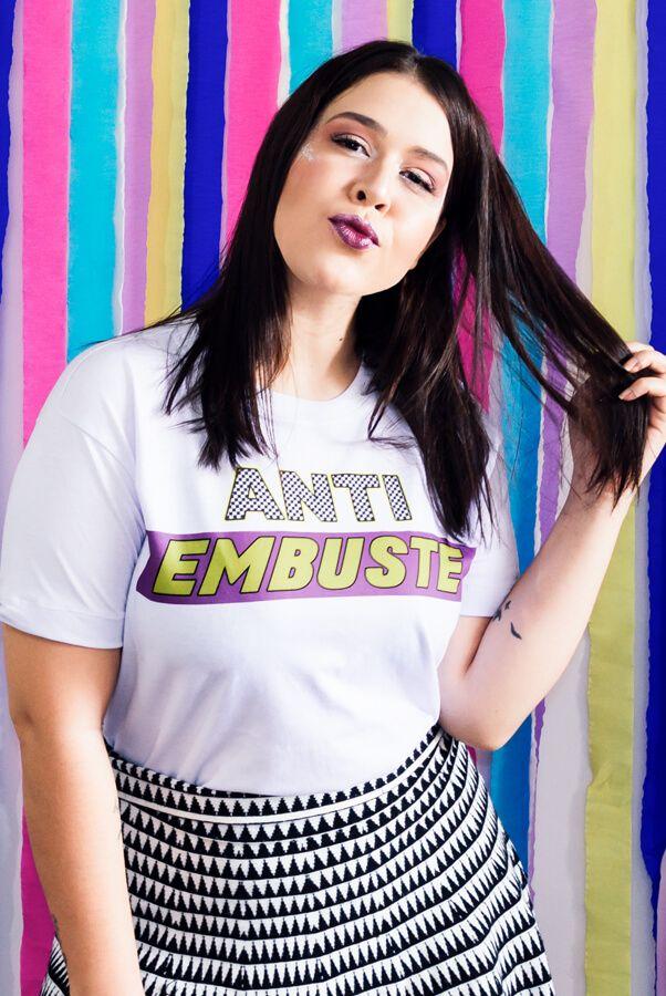 Camiseta Embuste