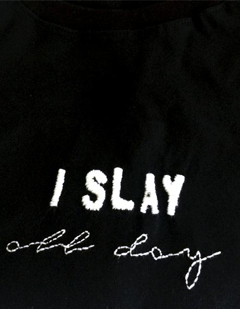 Camiseta Preta Bordada I Slay