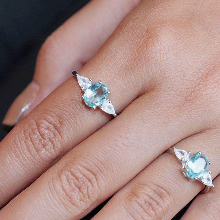 Anel Cristal Oval Azul Ródio Branco