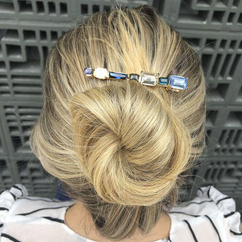 Acessório de cabelo bico de pato pedras tons de azul