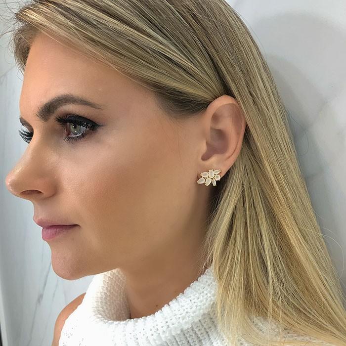 BRINCO EAR CUFF DELICADO OFF WHITE OURO 18K