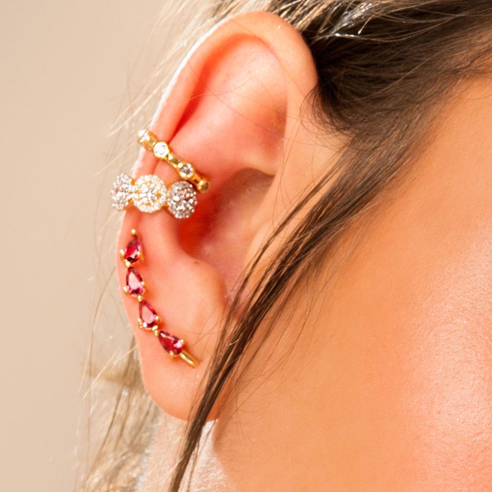 Brinco ear cuff gotas vermelhas banho de ouro