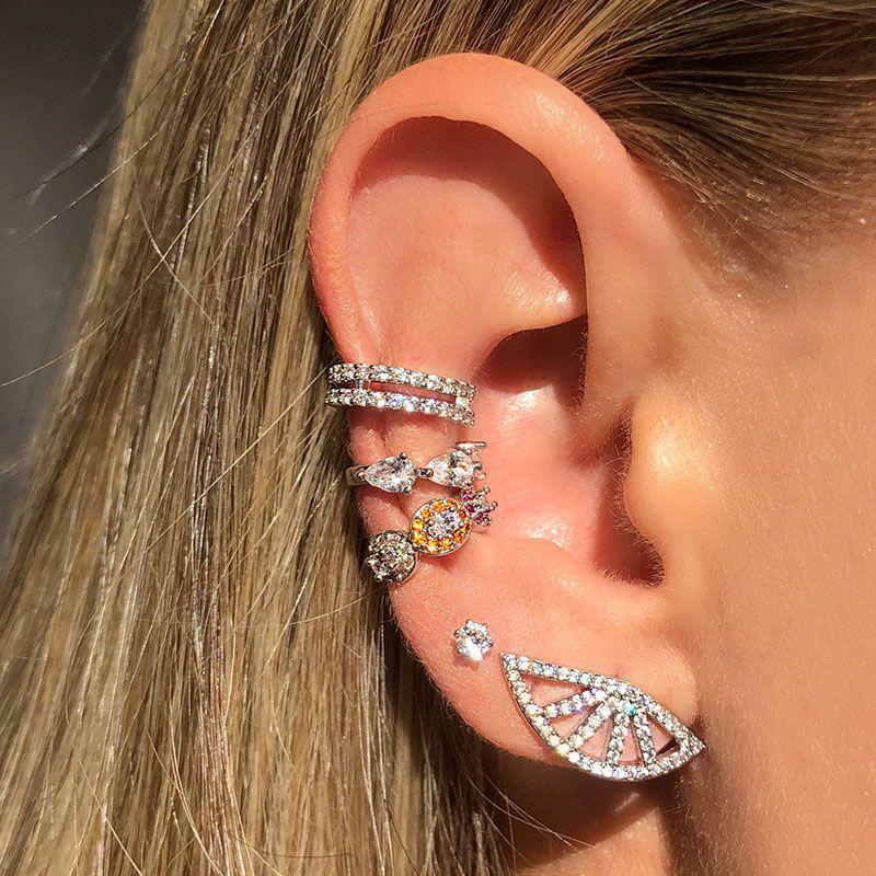 Brinco ear cuff leque cravejado cristal ródio branco