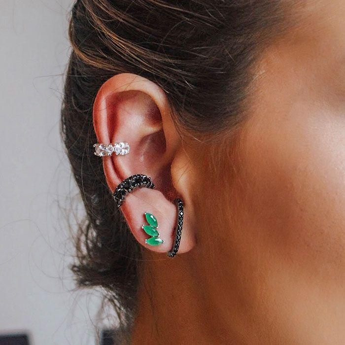 Brinco Ear Hook Zircônias Negras