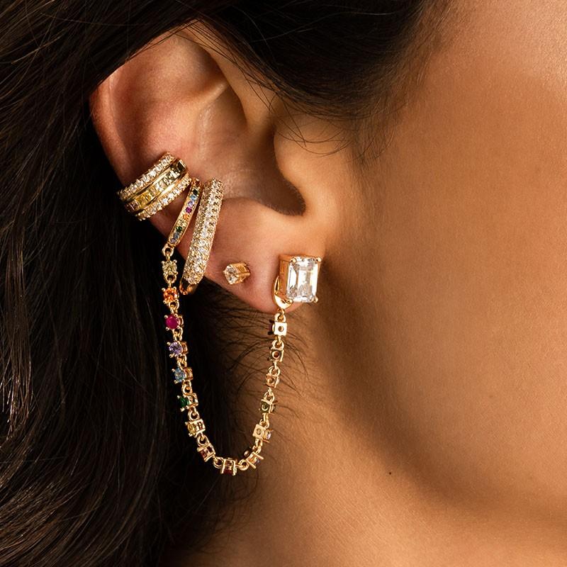 Brinco ear hook fake médio em prata 925 tubo cravejado ouro