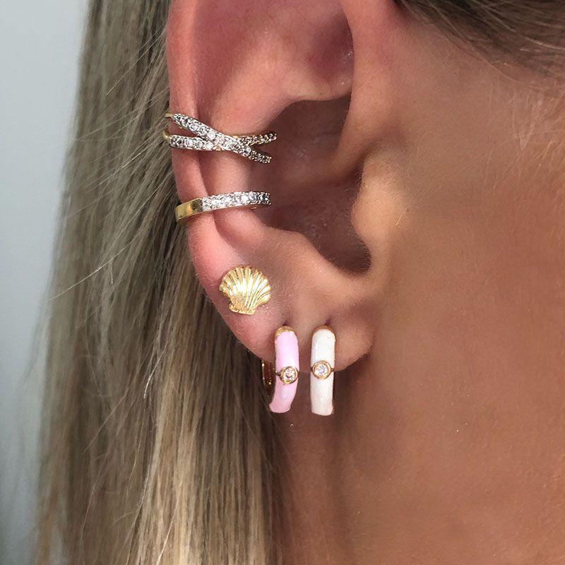 Brincos argolinhas esmaltadas 2 furos rosa e branca