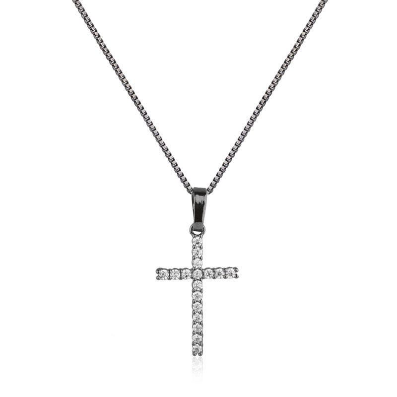 Colar pingente cruz cravejada ródio negro