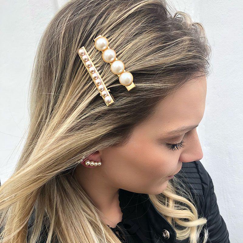 Presilha de cabelo 4 pérolas dourada bico de pato