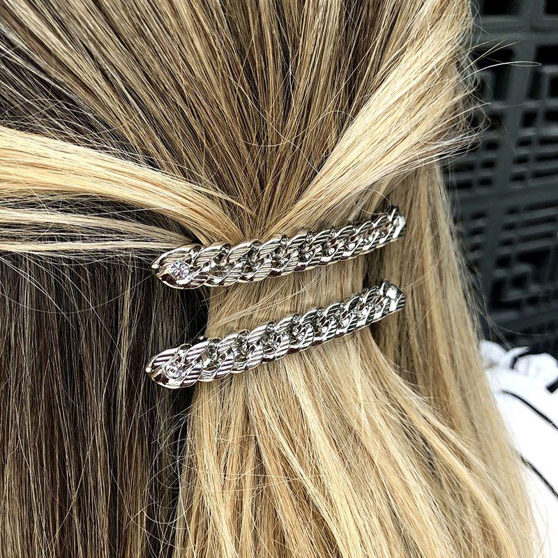 Presilha de cabelo corrente de metal prateada