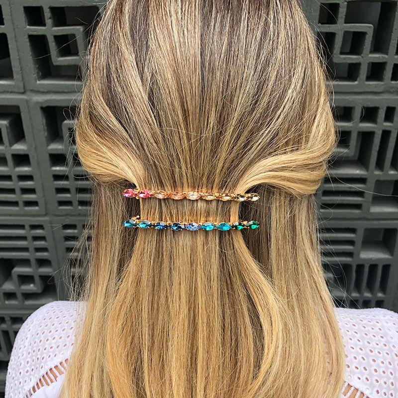 Presilha de cabelo delicada tons de azul e verde dourada