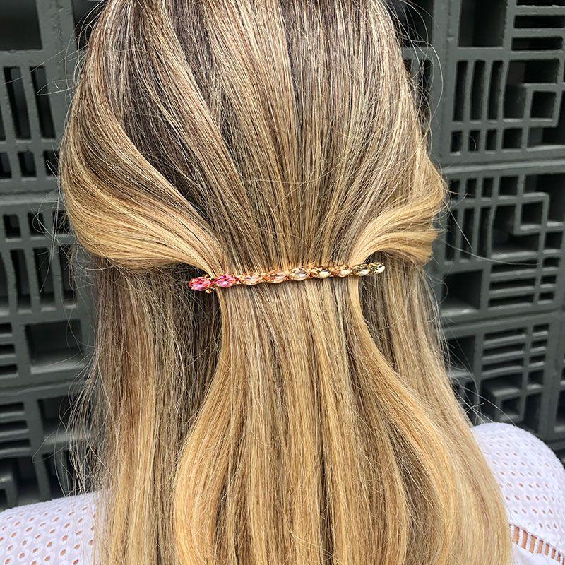 Presilha de cabelo delicada tons de rosa e fume dourada