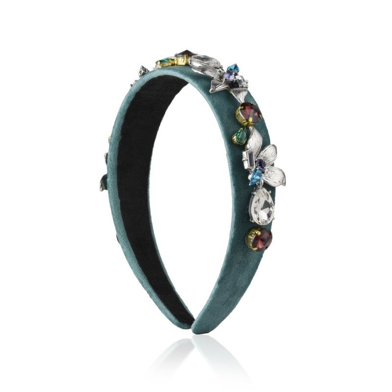 Tiara verde veludo flores prateadas e pedras coloridas