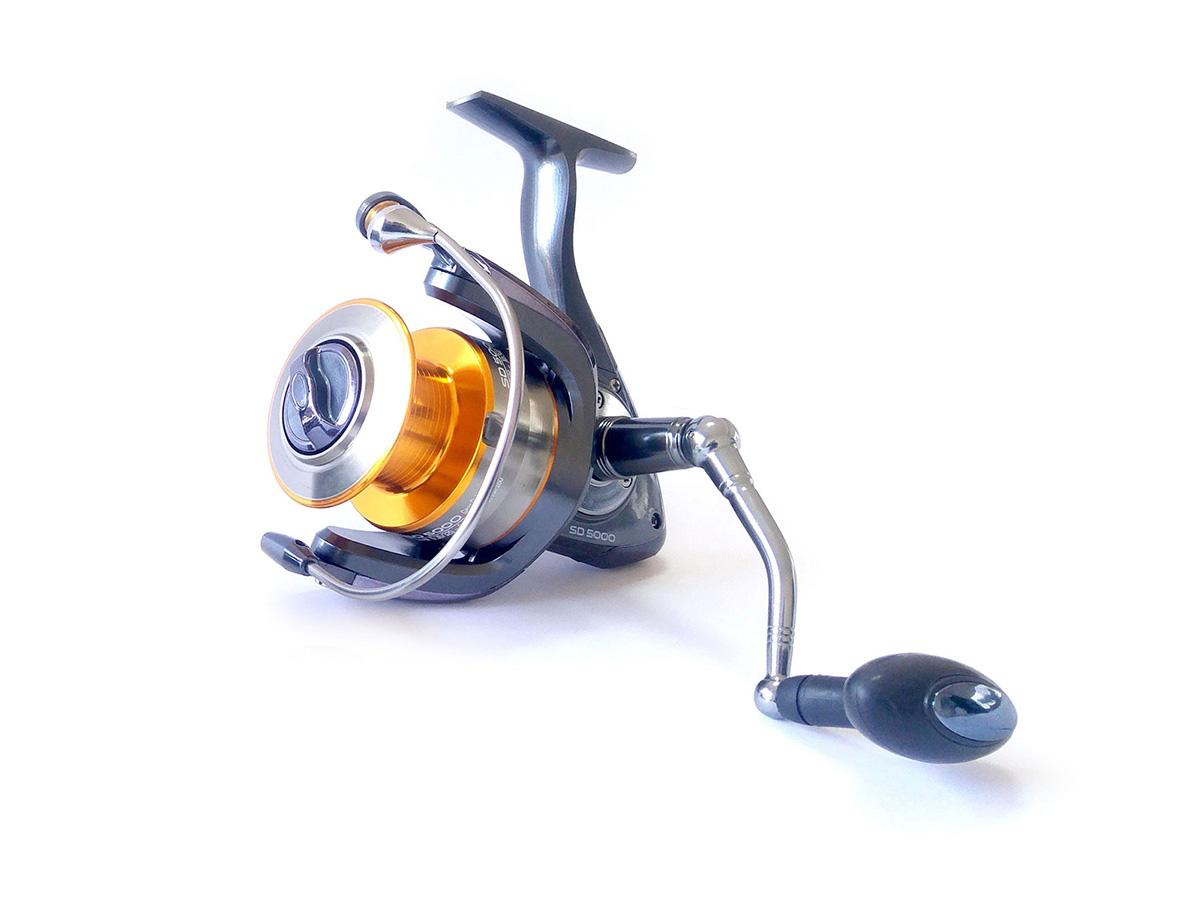 Molinete Pro-Tsuri Sode SD 4000 Velocidade de 5.1:1 com 7 Rolamentos  - Comprando & Pescando