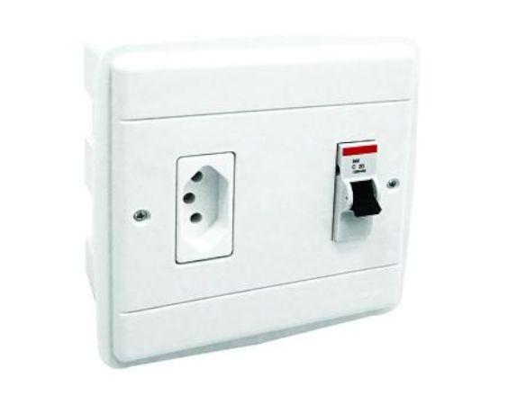 Caixa de Embutir para Ar Condicionado com Tomada 20A com Disjuntor 25A - Perlex