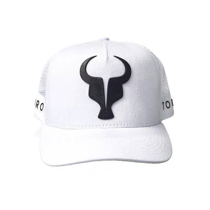 Boné Trucker Toro Branco e Preto