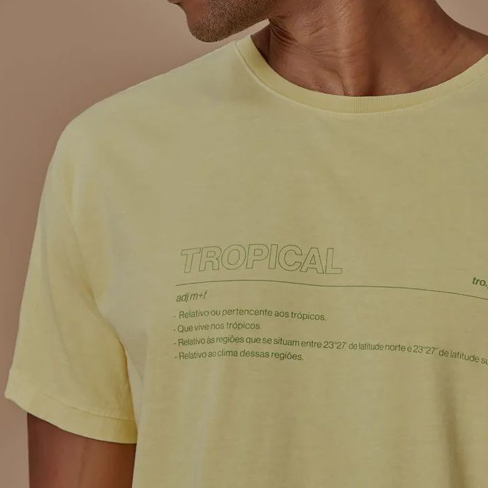 T-shirt Foxton Tradução Tropical - Amarela