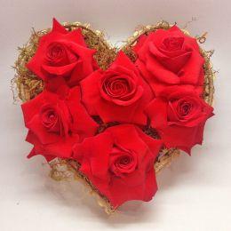 Arranjo Coração com 6 Rosas Colombianas