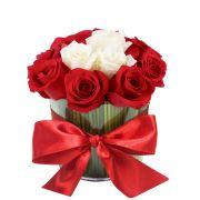 Arranjo de Rosas com Amor