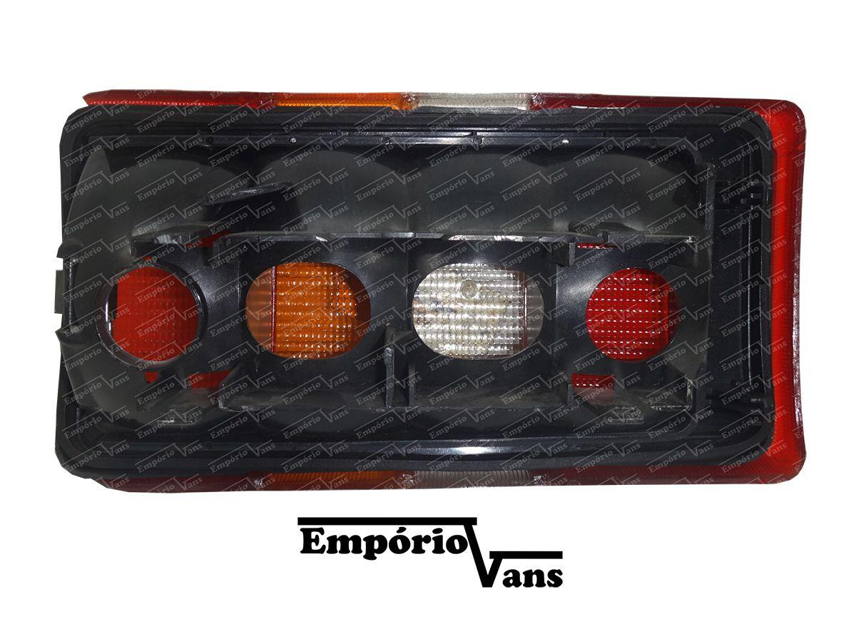 Lanterna Traseira LE Com Avaria Renault Trafic