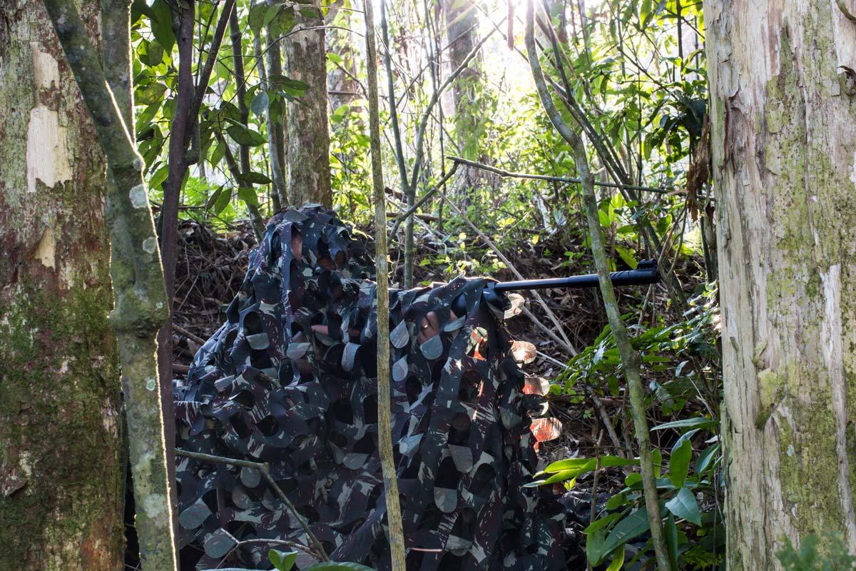 Rede de camuflagem militar grande com estojo 3X2M