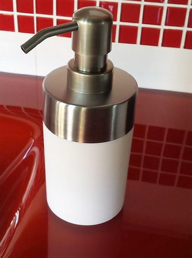 Porta Sabonete Liquido Branco / Aço Escovado