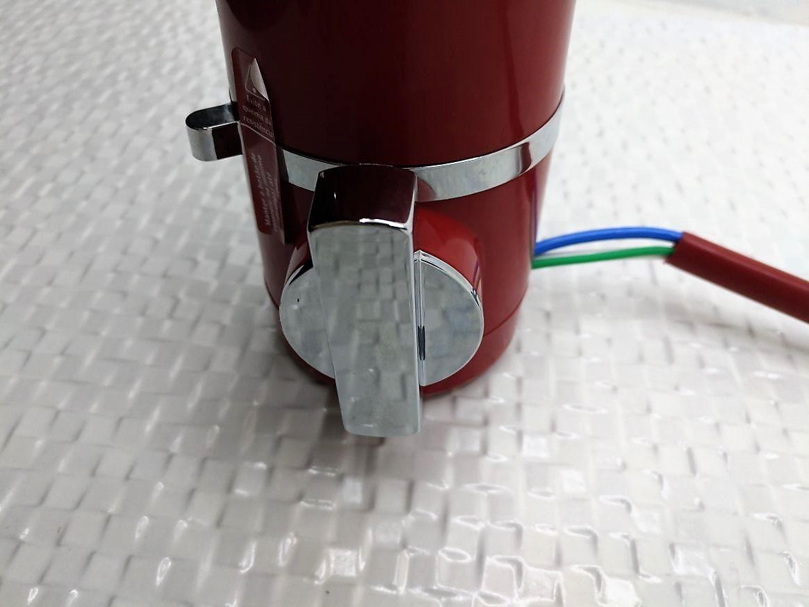 Torneira Elétrica Para Pia De Bancada Hydra Slim 4t - 127v - 5500W Vermelha