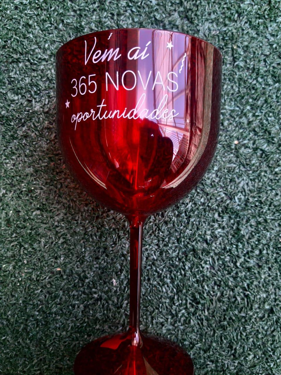 Taça de Gin 550ml Vermelha Translúcida Personalizada para Despedida de Solteira