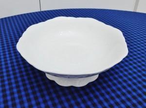 Baleiro fruteirinha 17 cm em porcelana alto relevo branca 53073