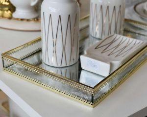 Bandeja Em Metal Dourado Com Fundo Espelhado - 57846