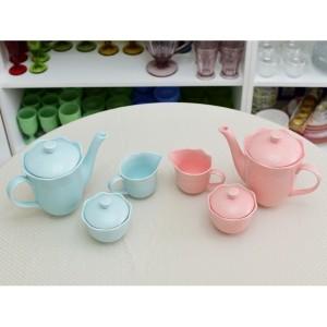 Conjunto de bule de 1 litro, leiteira de 250 ml e açucareiro 250ml em porcelana 55032