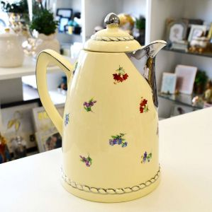 Garrafa Térmica 1 Litro De Porcelana Flores Bege Com Prata - 57108