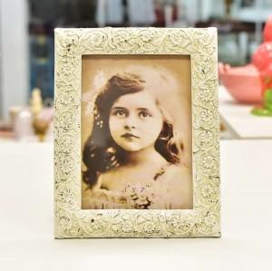 Porta Retrato 13x18 De Resina Com Acabamento Arabesco Floral Provençal - 55254