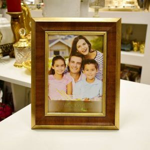 Porta Retrato 13x18cm Chanfrando Dourado  - 57004